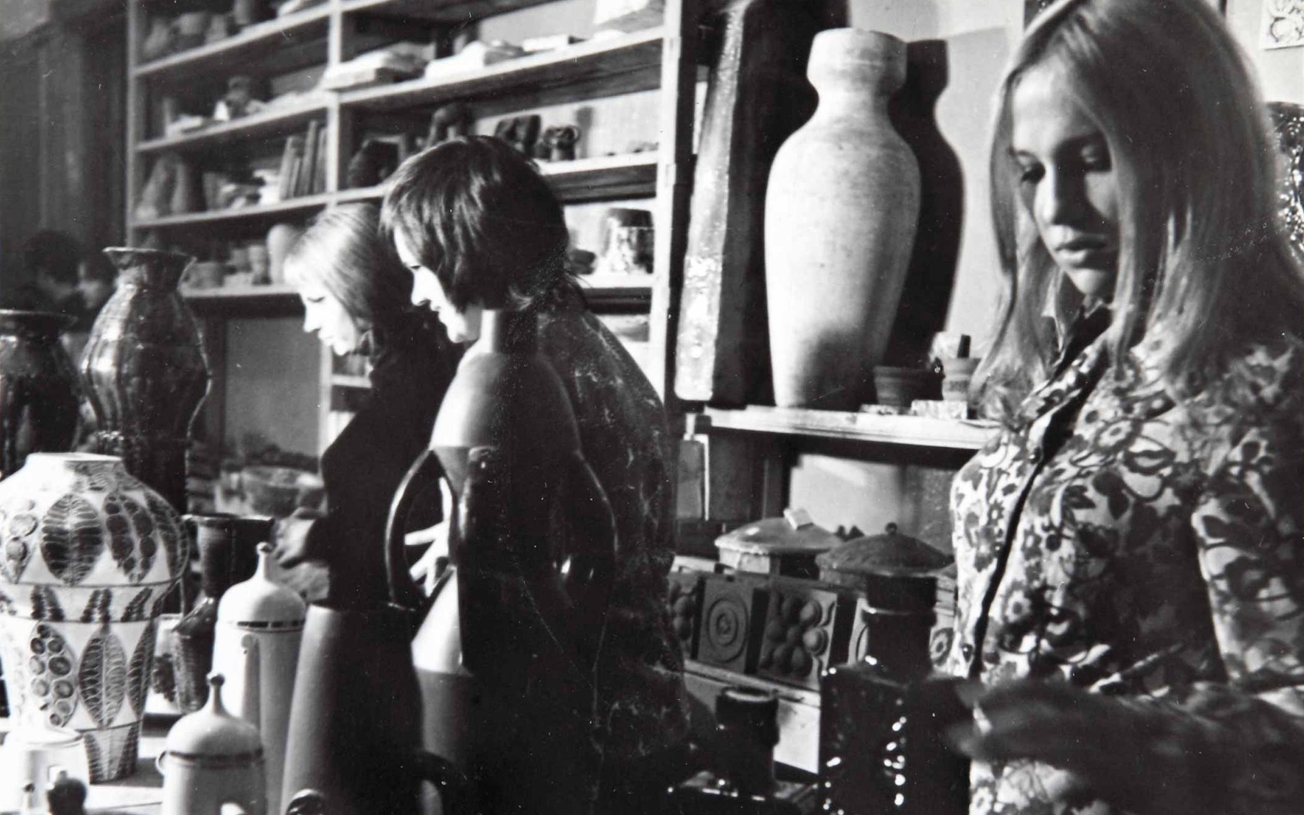 1970-е годы. Выставка дипломных работ разных лет в керамической мастерской училища